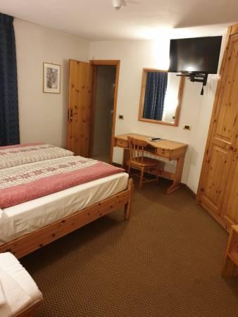 2-interconnecting Room z 2 łazienkami