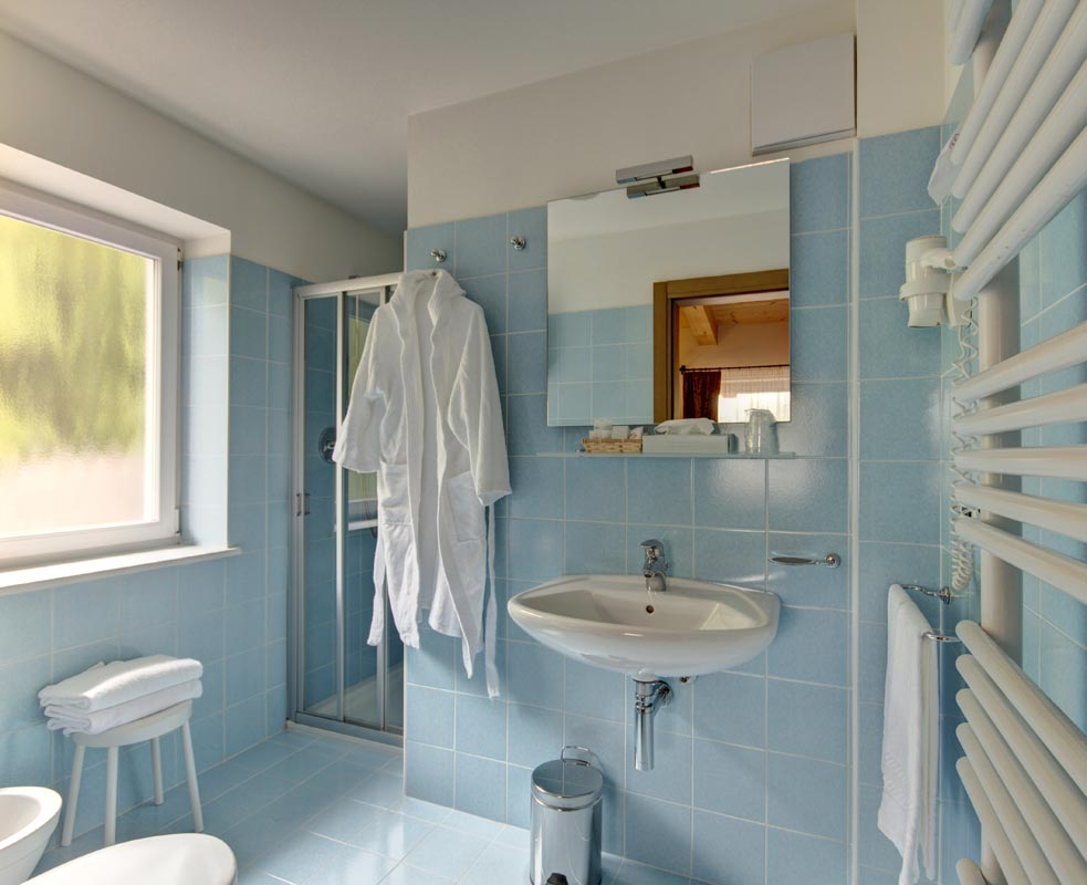 Hotel Des Alpes Cortina - przykładowa łazienka