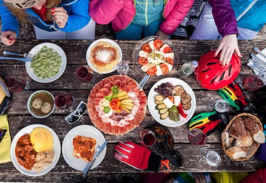 Kuchnia w Dolomitach – poznaj smak lokalnych specjałów